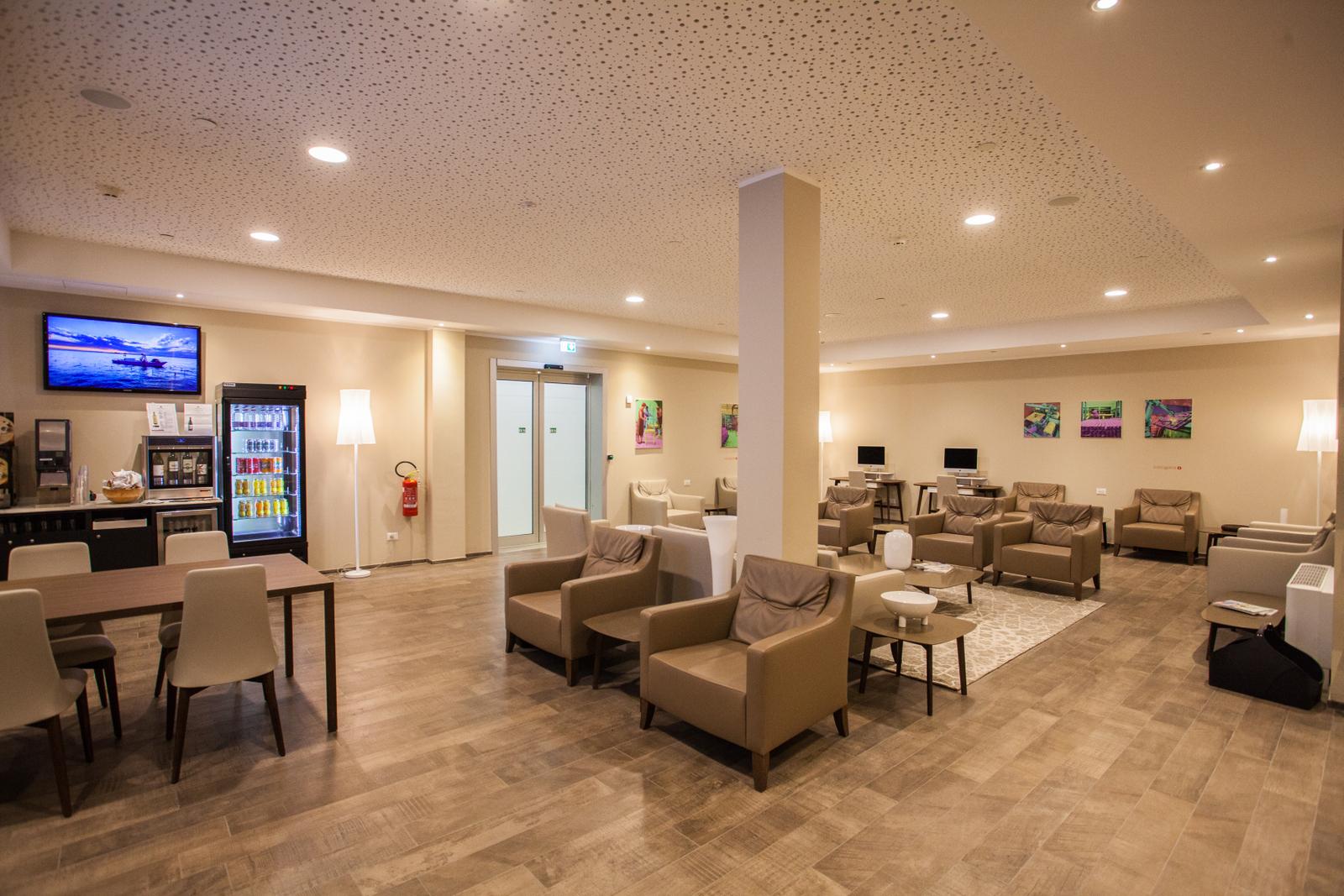 Lounge2 (1)
